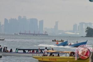 Polda Kepri Gelar Balap Perahu HUT Bhayangkara