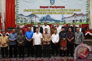 Pimpinan Alat Kelengkapan DPRD Kepri Berganti