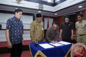 Pemkot-KPU Tanjungpinang Teken NPHD Pilkada