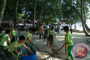 KKP Lakukan Gerakan Bersih Pantai dan Laut