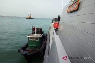 Koarmabar latihan tempur di laut Natuna