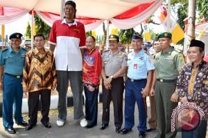 Manusia Tertinggi Harap wisata Lampung Maju