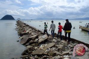 Wali Kota Instruksikan Perbaiki Jalan Kampung Nelayan