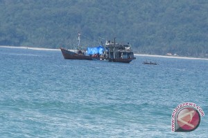 Nelayan Bengkulu sita pukat harimau
