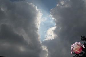 BMKG Lampung : Waspadai hujan lebat dan petir