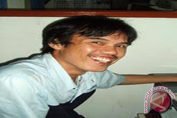 Udo Z Karzi Penyelamat Tradisi Berbahasa Lampung