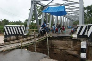 Jembatan Comal diusahakan Kamis Siap