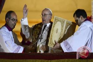 """Paus : Gereja tak butuh """"uang kotor"""""""