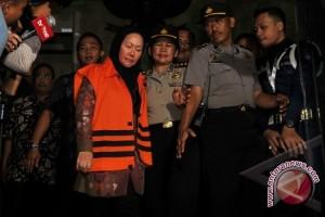 Ratu Atut didakwa rugikan negara Rp79,79 miliar