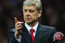 Arsenal puncaki klasemen sementara lagi