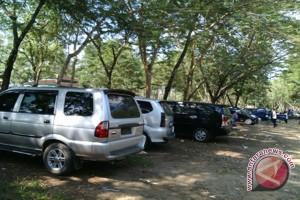 Pengunjung TNWK Keluhkan Tarif Parkir