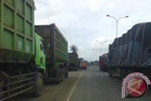 Bagus ! Pemkab Waykanan larang truk batu bara melintasi daerahnya