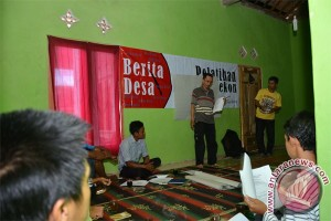 Pengelola Web Desa di Tanggamus Perdalam Jurnalistik