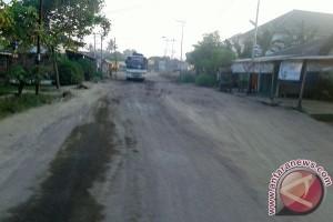 Haduh....Jalan di Lampung Tengah Rusak Parah
