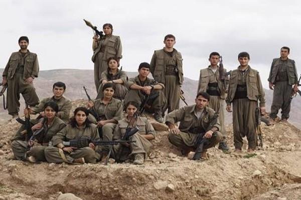 Sesama Kurdi justru saling tempur di Sinjar Irak