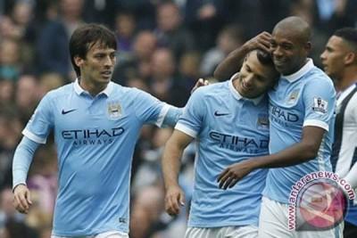 Lima gol Aguero bawa City puncaki klasemen