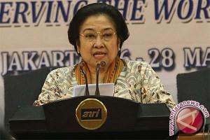 Megawati: Bantu Rakyat Tanpa Pandang Bulu