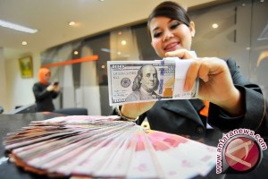 Rupiah Selasa sore menguat menjadi Rp13.012
