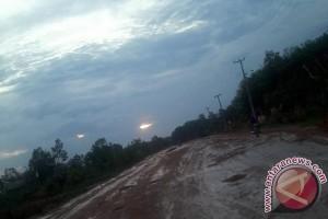 Warga Mesuji Lampung Keluhkan Jalan Rusak