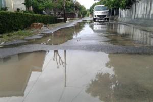 Awasi perbaikan jalan lingkungan