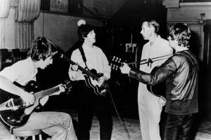 "George Martin ""Beatle Kelima"" meninggal"