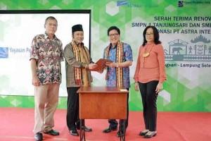 Astra Bantu 50 Sekolah di Lampung Selatan