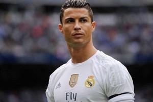 Ronaldo rayakan Ballon d'Or dengan gol