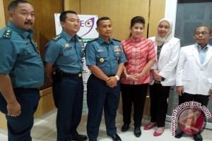 TNI-AL-Sidomuncul Gelar Operasi Katarak Gratis