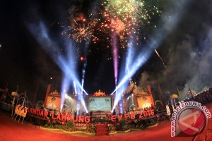 Pesta Kembang Api Meriahkan Pembukaan Bandarlampung Expo 2016