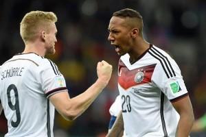 Bintang sepak bola Jerman ditolak jadi tetangga