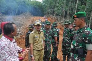 Bagus ! TNI buka jalan terpencil di Lebak