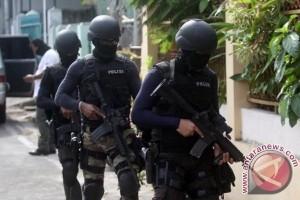 Densus Anti Teror Tangkap Empat Terduga Teroris