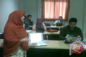 Dosen Muda Universitas Muhammadiyah Metro Antusias Berlatih Menulis