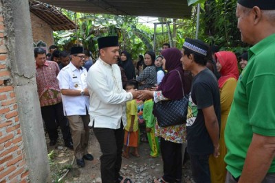 Bupati Lampung Tengah Melayat