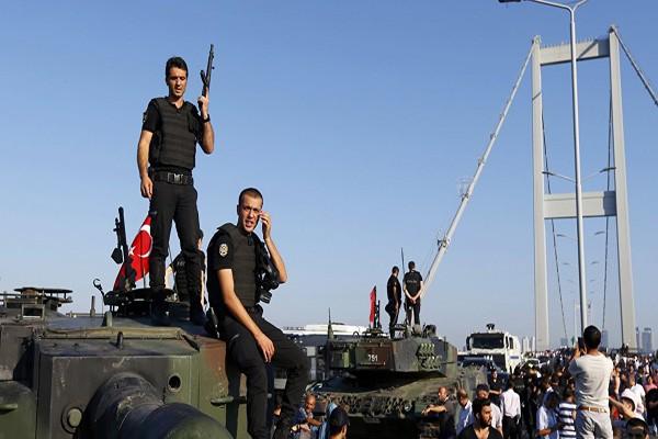Pemerintah Turki dikritik, redaktur surat kabar ditahan