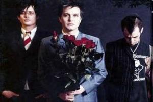 Grup band Blink-182 kembali dengan album dan personel baru