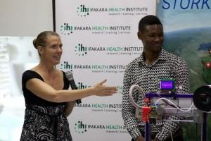 Mahasiswa muda Tanzania pakai HP untuk irigasi pertanian