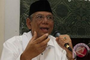 Hasyim Muzadi: Demokrasi belum sentuh hakikat kerakyatan