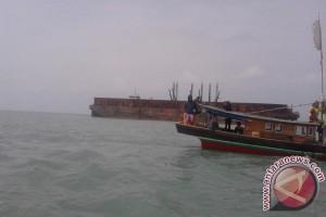 Nelayan gantungkan hidup di laut yang jadi area tambang