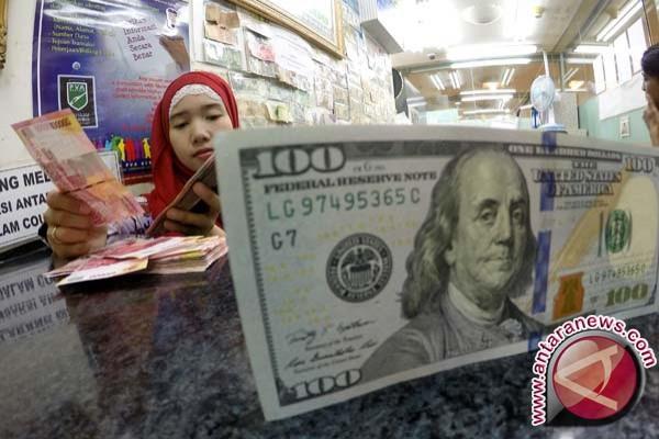 Situasi politik Italia tak pasti, dolar menguat