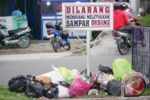 Warga minta pembuang sampah sembarangan diberi sanksi