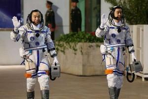 Dua Astronot China mengangkasa bersama Shenzhow-11