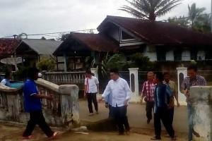 Pasangan Parosil-Mad Hasnurin Dirikan Posko Banjir
