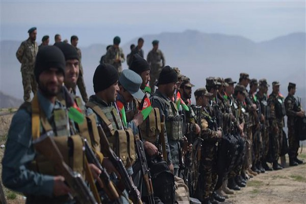 Taliban lancarkan serangan balik