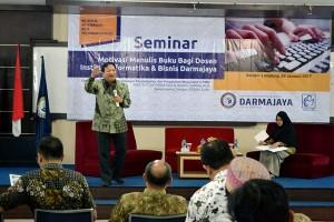 Dosen IBI Darmajaya Ikuti Seminar Motivasi Menulis