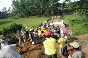 Camat di Lampung Tengah Motori Gotong Royong