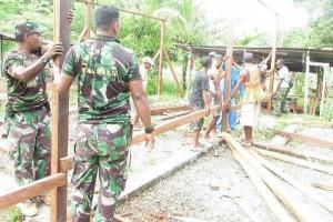 Umat Islam-TNI ikut bersihkan gereja di Palangka Raya