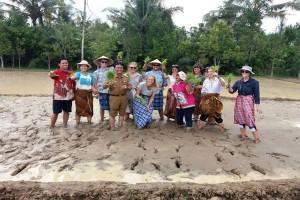 More foreign tourist visit Lampung's Braja village