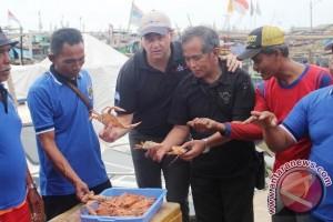 Importir Dukung Koperasi Nelayan Rajungan Lampung Timur