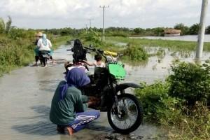 Pasokan beras lancar meski banjir